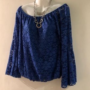 Trovare Blue Lace top with bell sleeves EUC